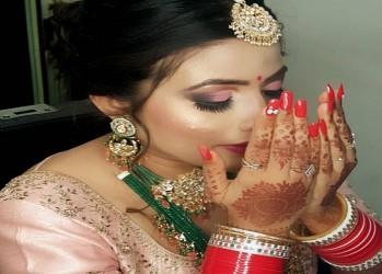 Wonderlab-nails-spa-makeup studio